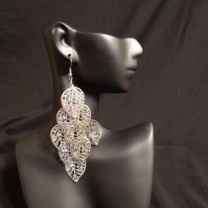 New silver dangling leaf earrings
